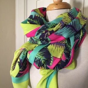 Vera Bradley colorful large versatile scarf